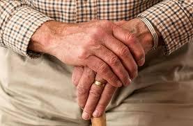 تعرّف على الأعراض التي تنبّئ بالإصابة بداء باركنسون